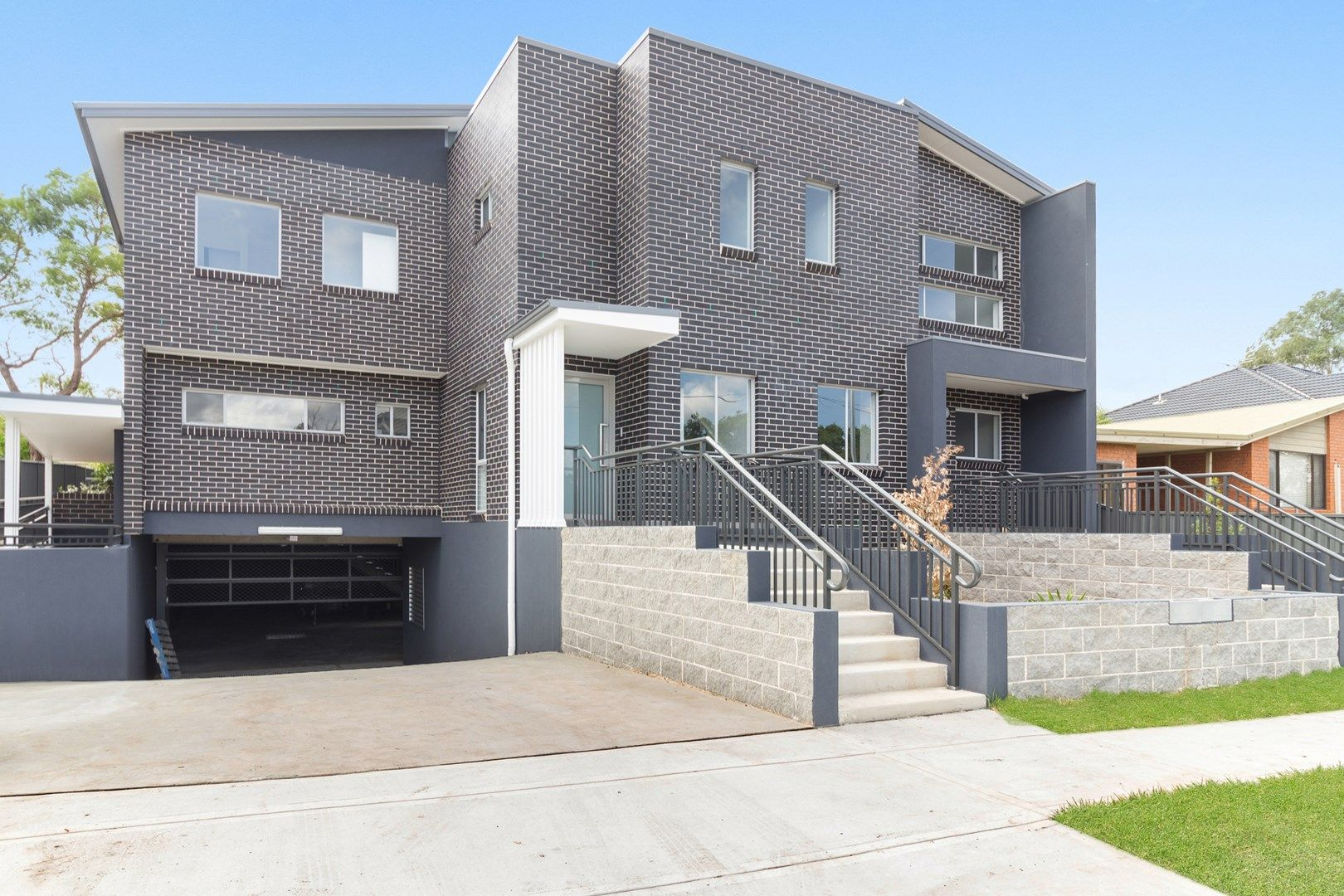 4/9 Sabre Cres, Holsworthy NSW 2173, Image 0