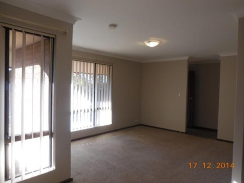 7 Colreavy Place, Padbury WA 6025, Image 2