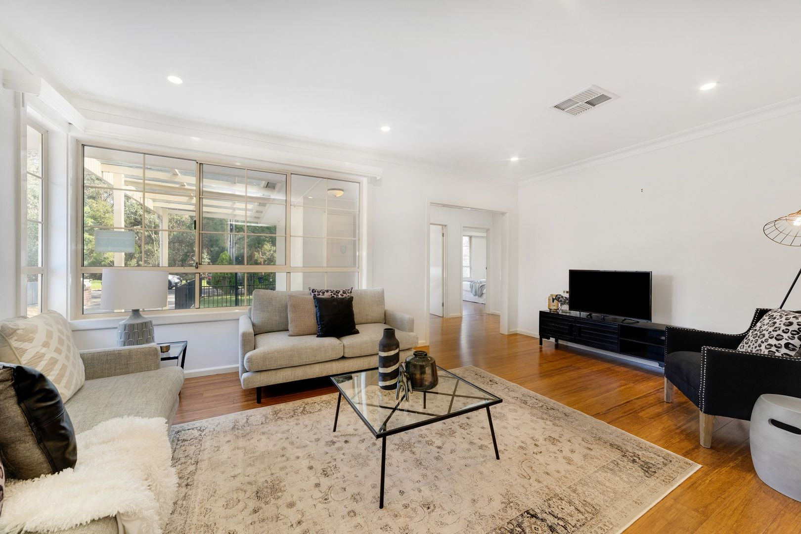 1/14 Cole Cresent, Chadstone VIC 3148, Image 2