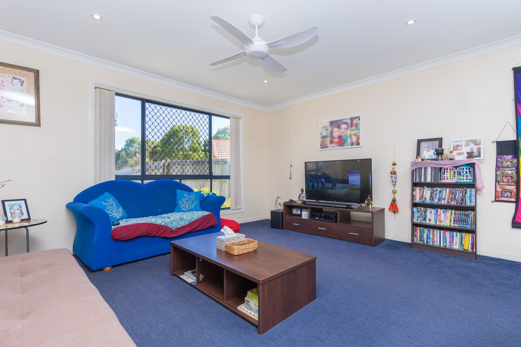 12 Biggera Court, Sandstone Point QLD 4511, Image 2