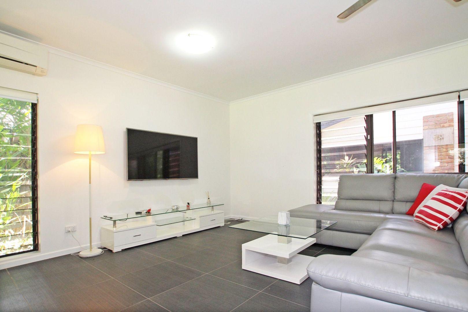 52 Hobson Drive, Brinsmead QLD 4870, Image 2
