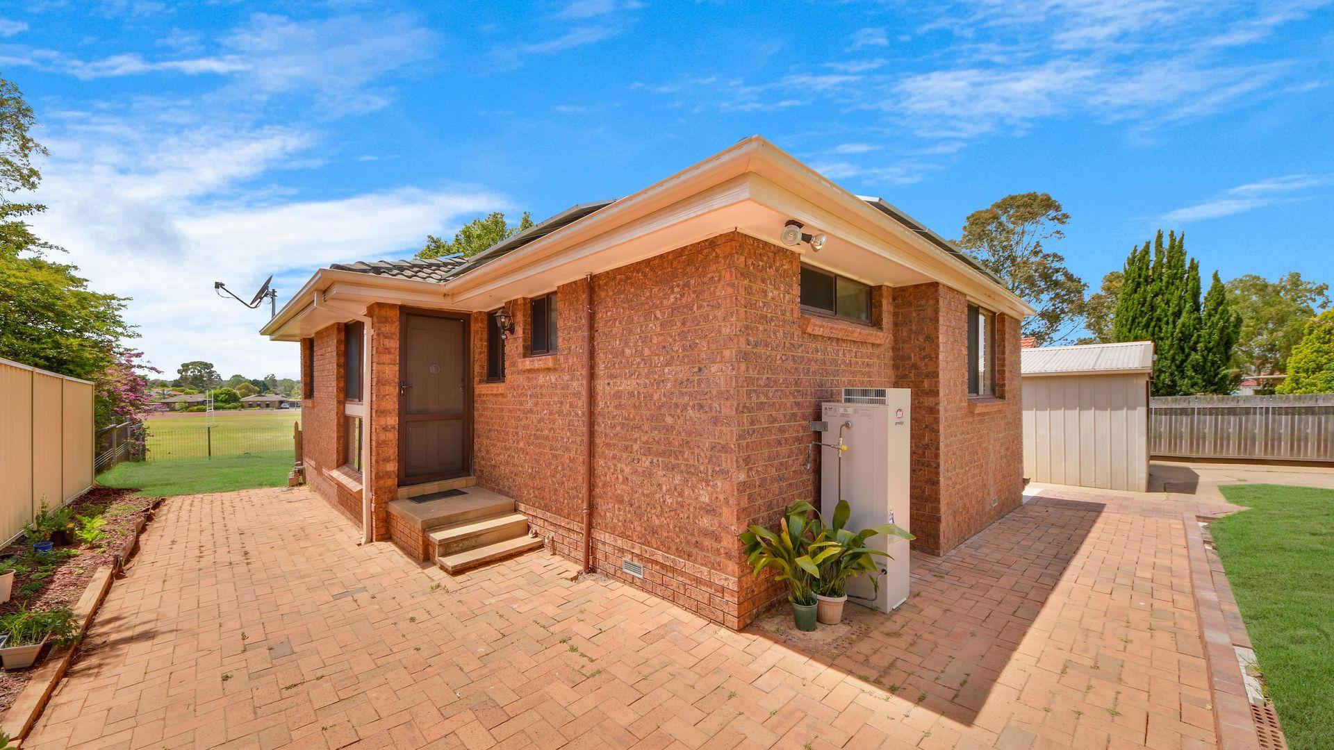 51 Othello Avenue, Rosemeadow NSW 2560, Image 2