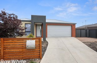 Picture of 13 Raymond George Place, Lara VIC 3212