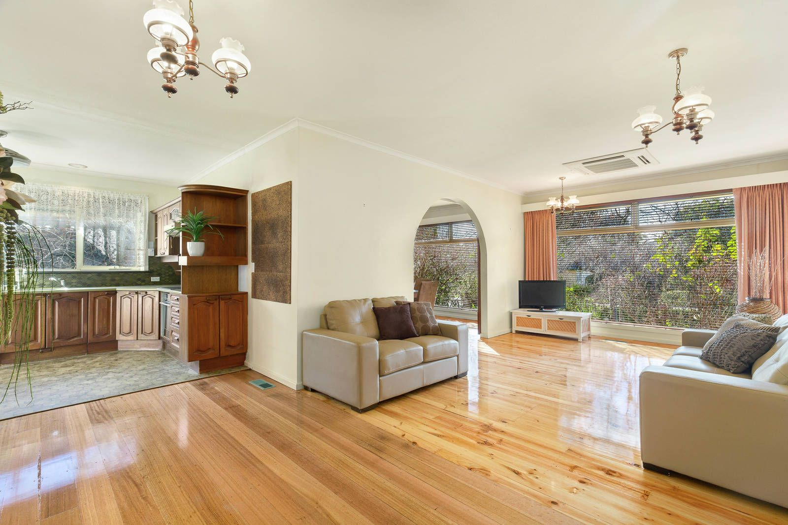 104 Husband Road, Forest Hill VIC 3131, Image 1