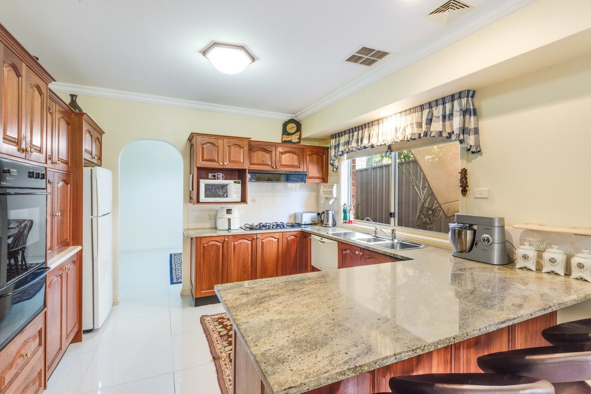 1 Oxley Place, Point Clare NSW 2250, Image 1