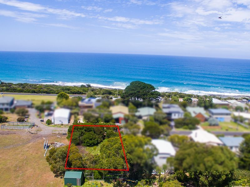 2 Surf Avenue, Skenes Creek VIC 3233, Image 2