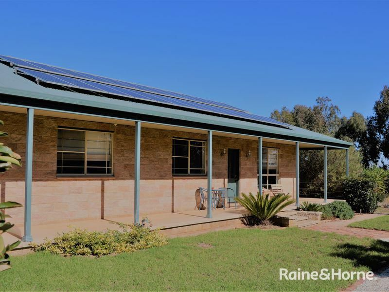 35 THE WELCOME ROAD, Parkes NSW 2870, Image 1