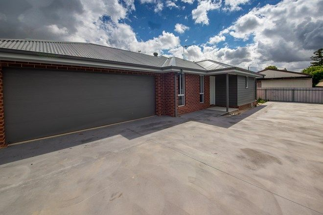 Picture of 2/422 English Avenue, LAVINGTON NSW 2641