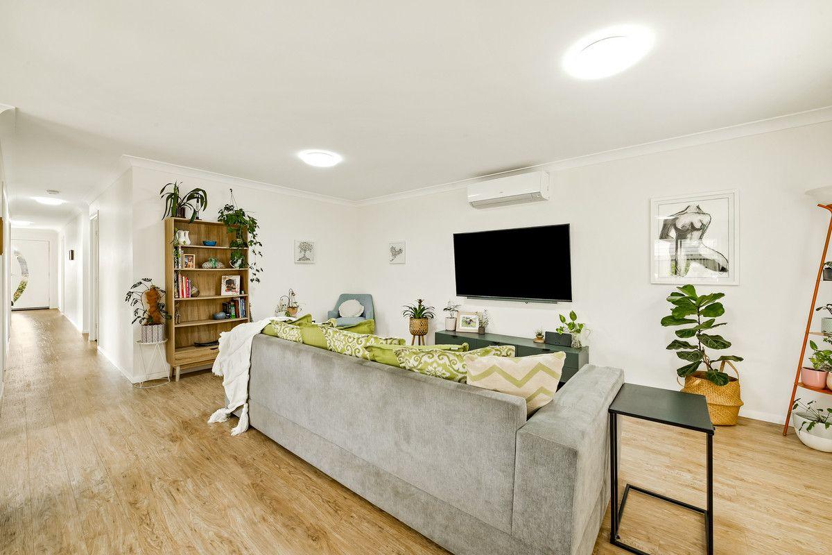26 Orchard Lane, Glenvale QLD 4350, Image 2