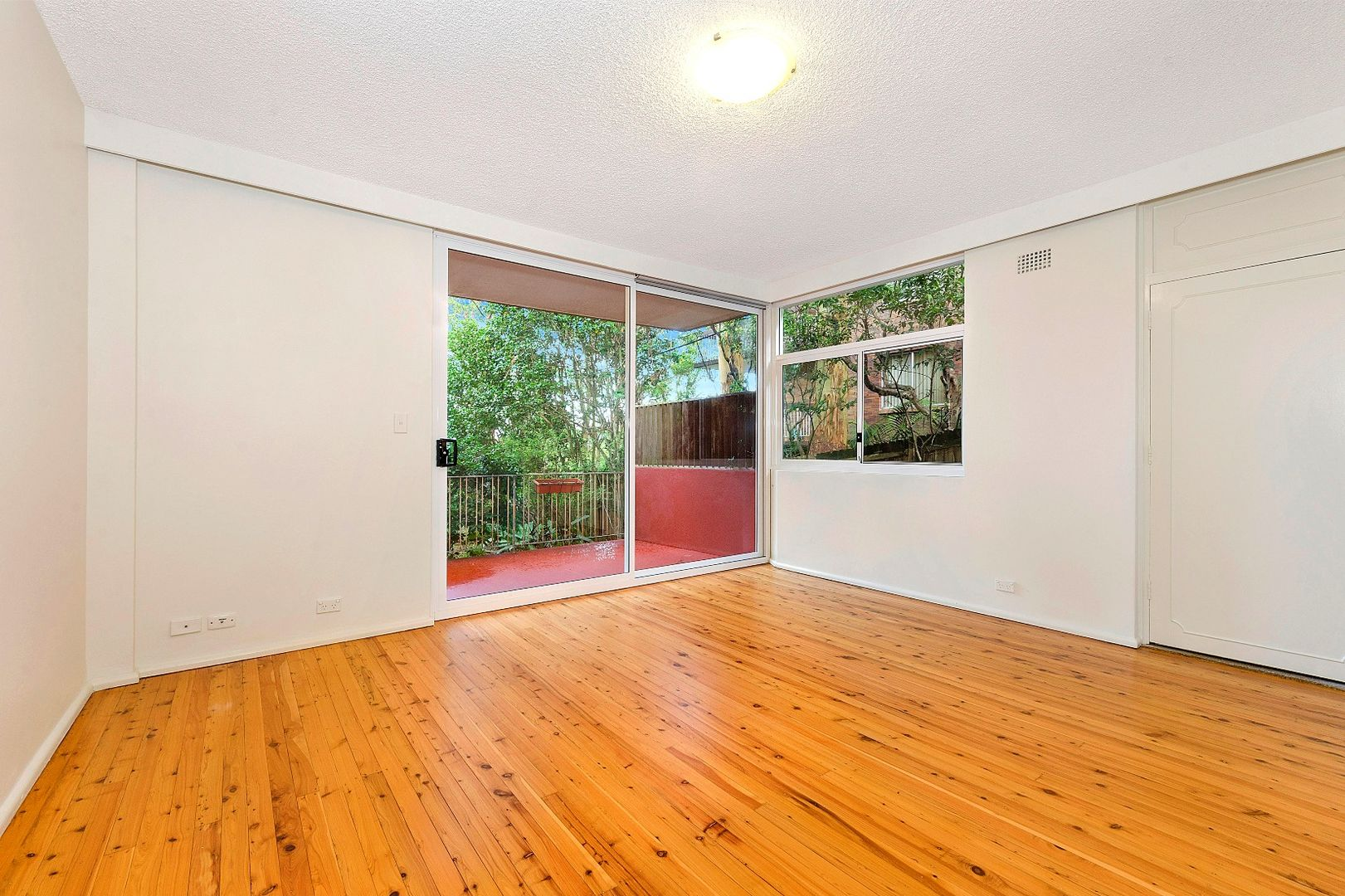 1/266 Pacific Highway, Greenwich NSW 2065, Image 2