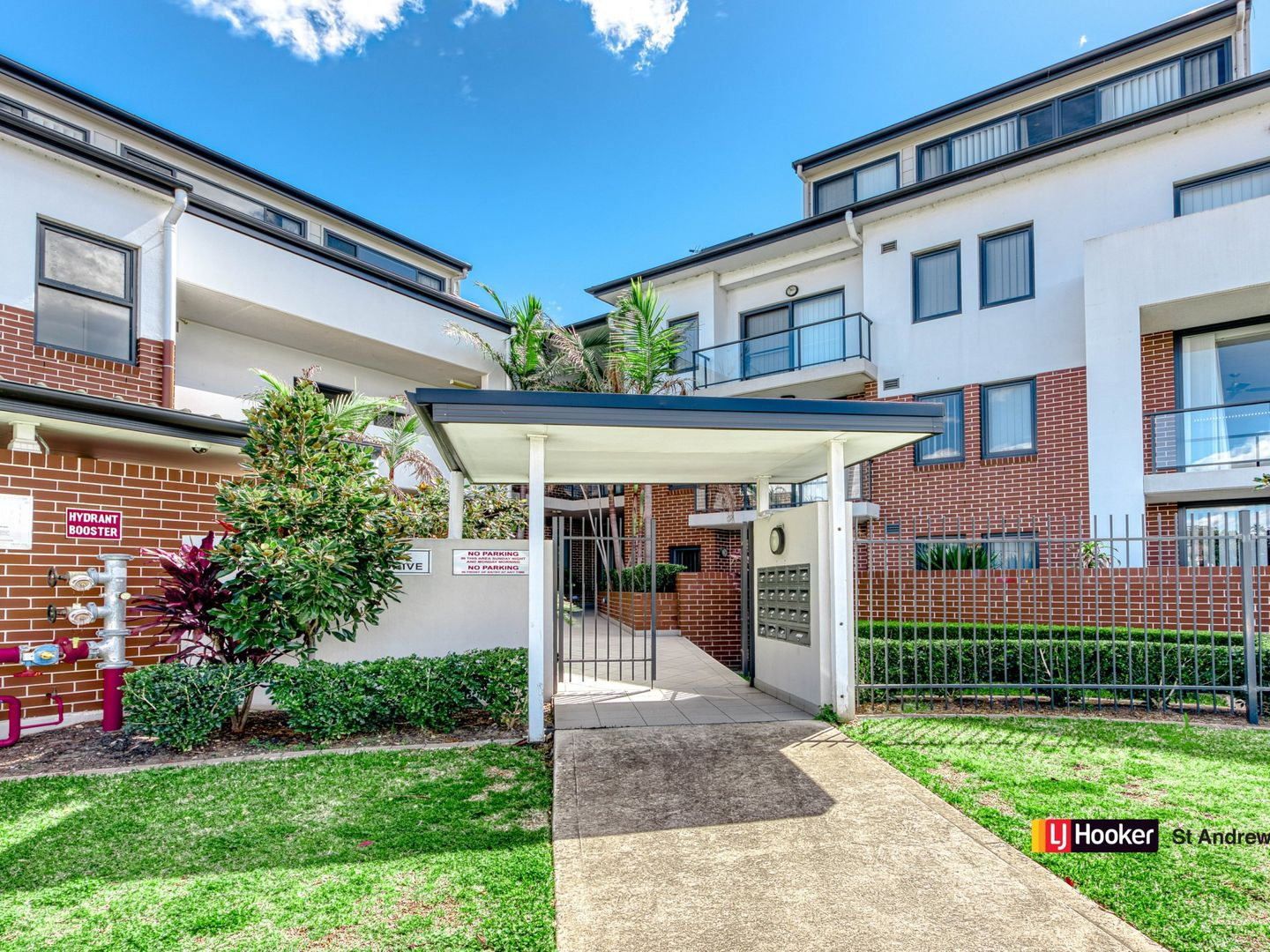 18/1 Parc Guell Drive, Campbelltown NSW 2560, Image 1