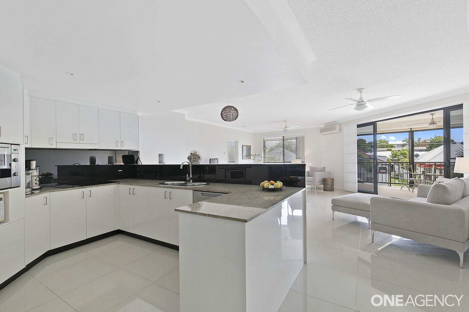 2/3 Rock Street, Scarborough QLD 4020, Image 2