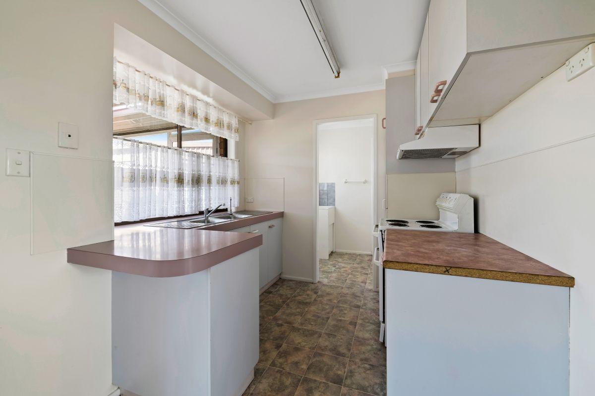 6 Mahogany Street, Newtown QLD 4350, Image 2