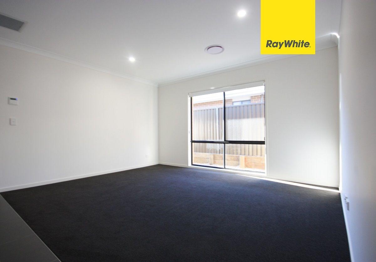 6 Willunga Street, Gregory Hills NSW 2557, Image 1