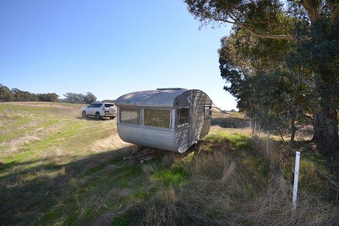 Picture of CA 3 Racecourse Road, REDBANK VIC 3477