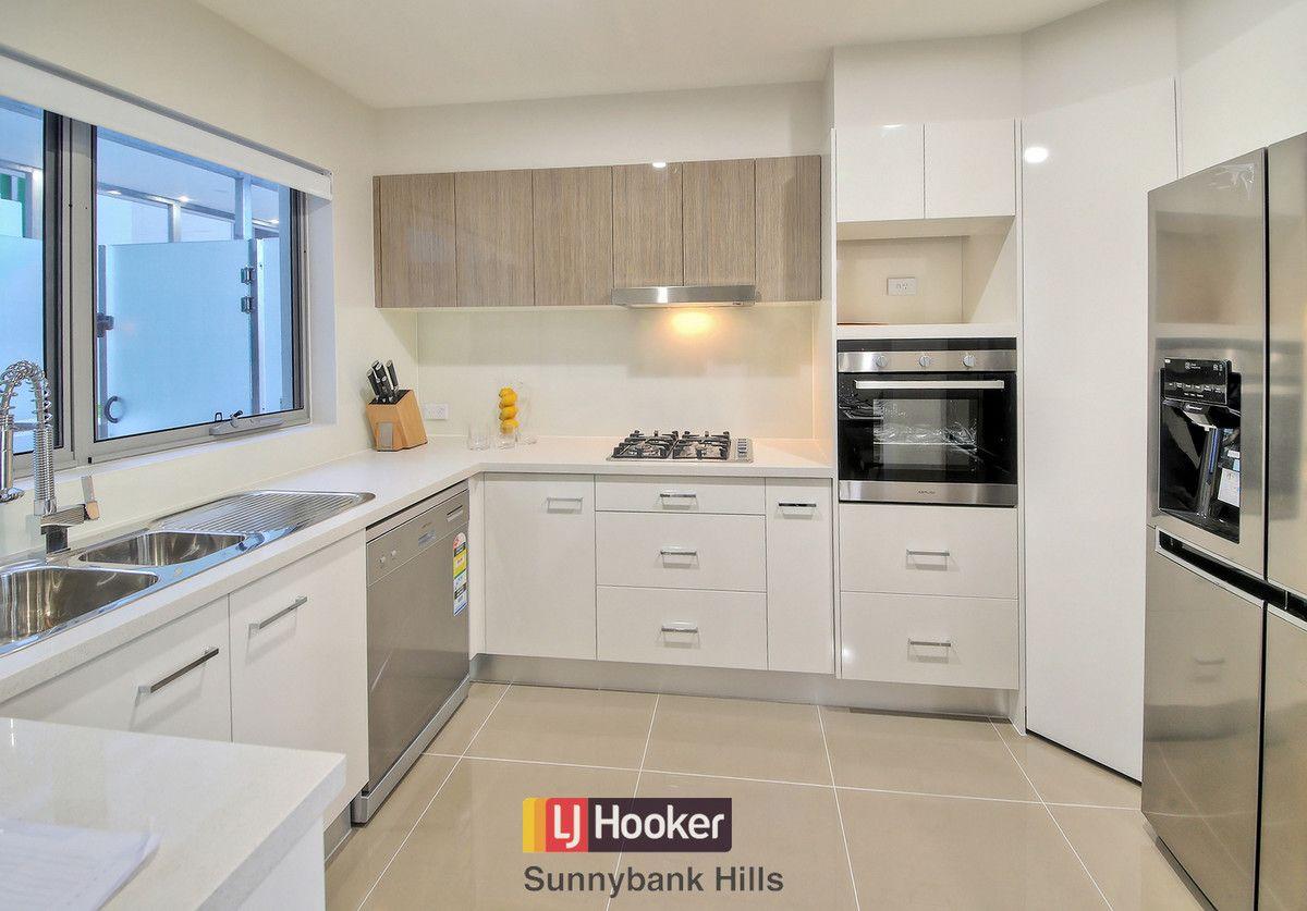 2101/1 Cremin Street, Upper Mount Gravatt QLD 4122, Image 2