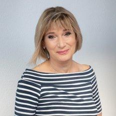 Lorraine Dove, Sales representative
