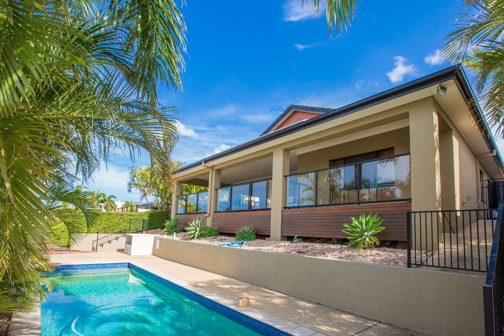 28 Ferrymans Court, Helensvale QLD 4212, Image 2