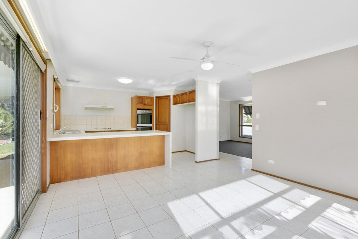 1 Perth Square, Highland Park QLD 4211, Image 2