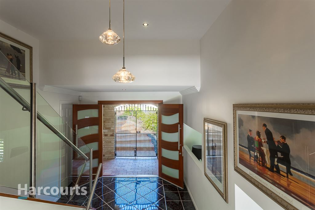 10 Jillinda Place, The Gap QLD 4061, Image 1