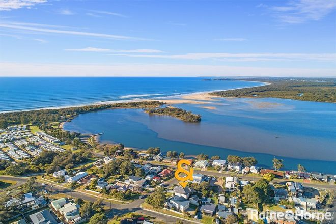 Picture of 35 Bolt Street, SHOALHAVEN HEADS NSW 2535