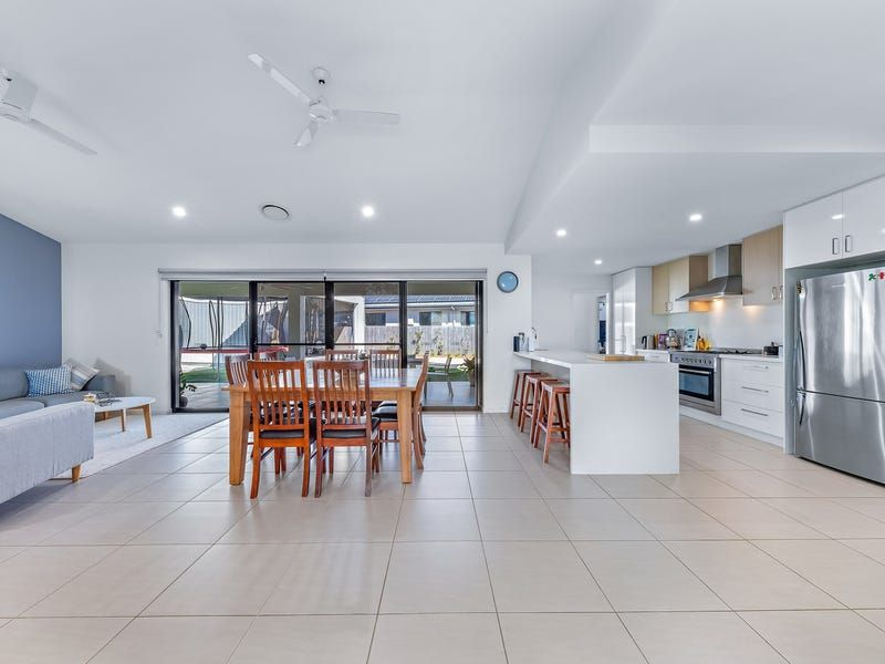 21 Stanley Drive, Cannonvale QLD 4802, Image 2