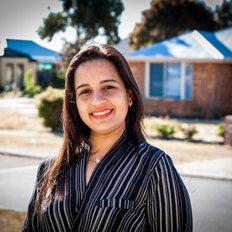 Sarah Kaur, Sales representative