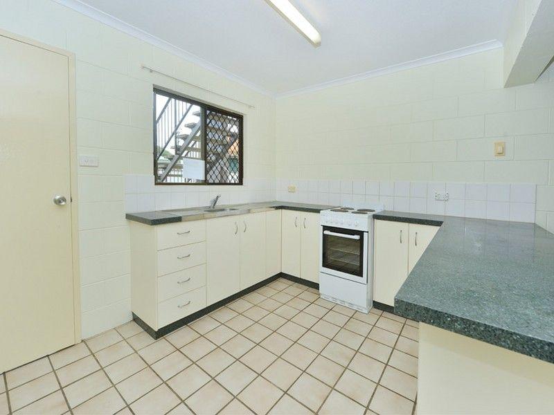 6/64 Pease Street, Manoora QLD 4870, Image 2