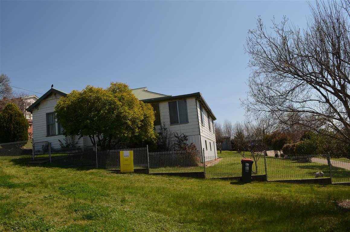 19 Clarke Street, Tumut NSW 2720, Image 0