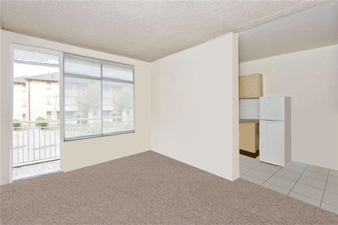 Picture of 12/3 Barber Avenue, EASTLAKES NSW 2018