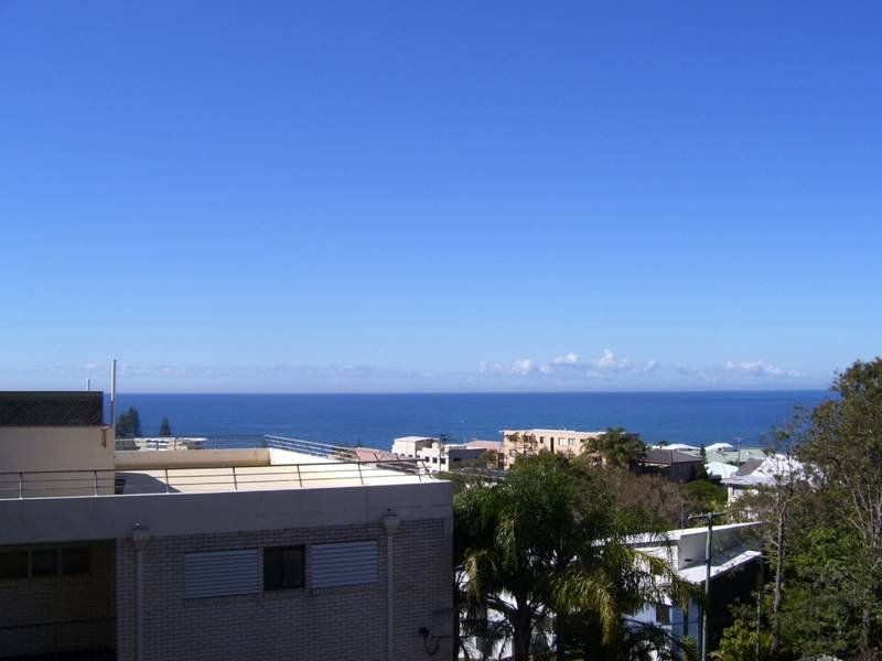 2/35 Maltman Street, Kings Beach QLD 4551, Image 0