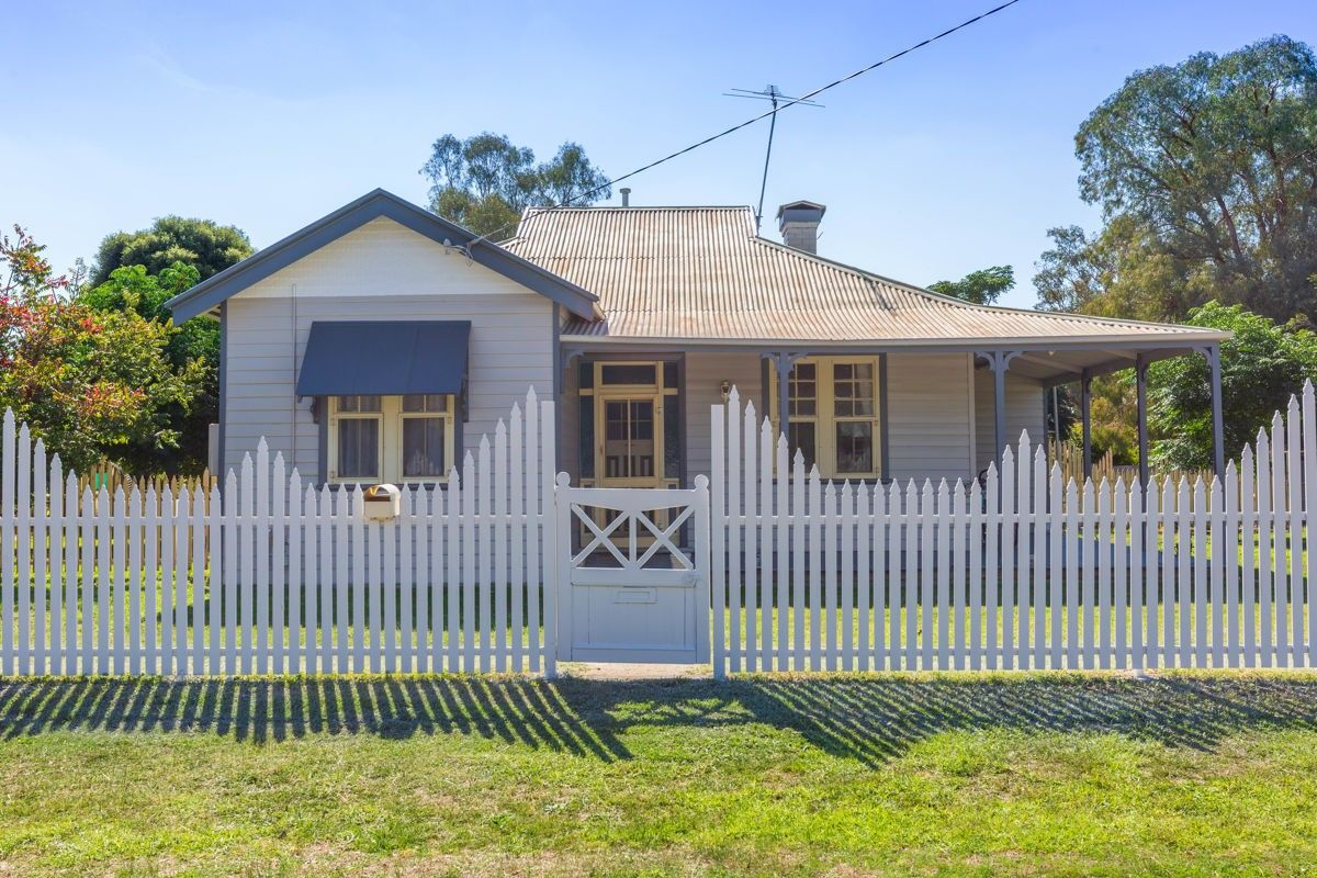 15 Sladen St, East, Henty NSW 2658, Image 0
