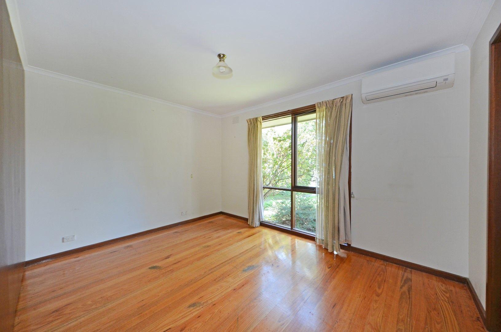 7 Calderwood Avenue, Wheelers Hill VIC 3150, Image 2