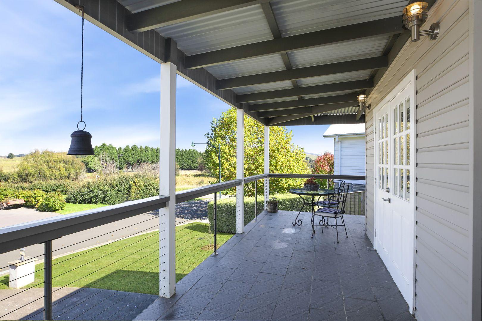 3 Morrice Court, Moss Vale NSW 2577, Image 2