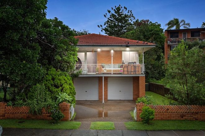 Picture of 16 Aberleigh Road, HERSTON QLD 4006