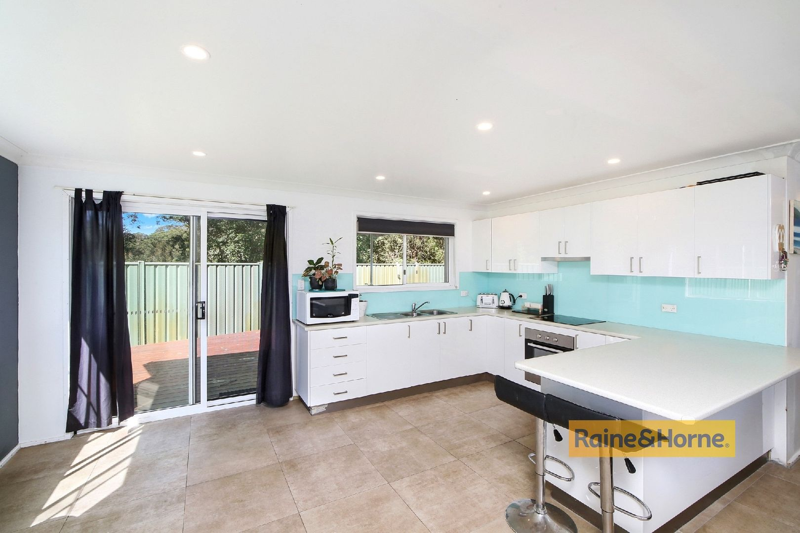 6 Macquarie Place, Umina Beach NSW 2257, Image 0