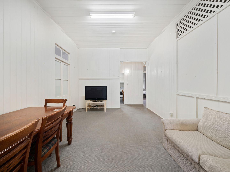 196 Moggill Rd, Taringa QLD 4068, Image 1