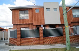 7/6 sampson Close, Midland WA 6056