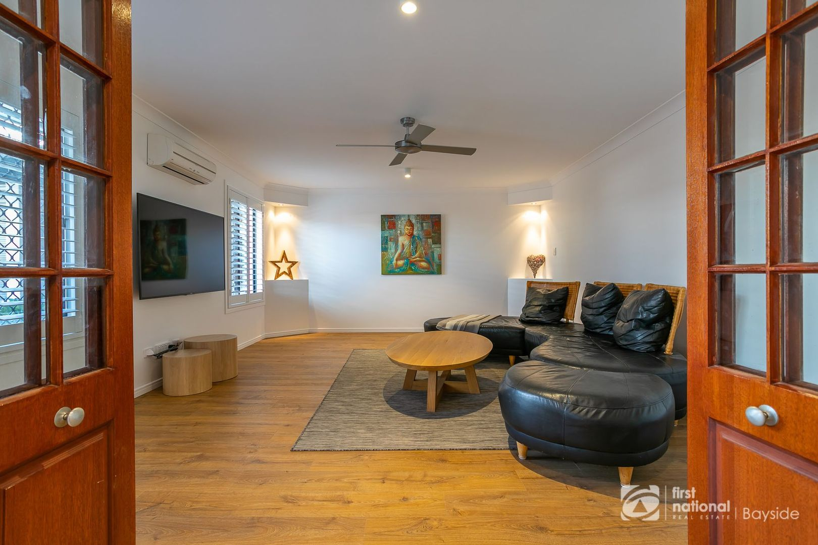 9 Garrett Place, Redland Bay QLD 4165, Image 2