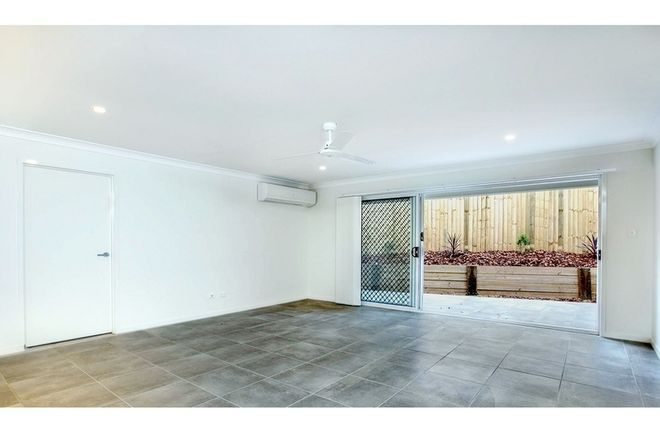Picture of 1/40 Harman Street, MANLY QLD 4179