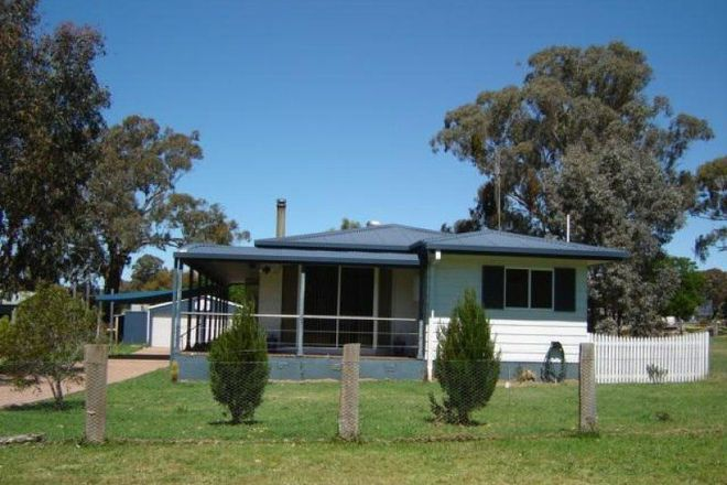 Picture of 43 Loquat Street, MANDURAMA NSW 2792