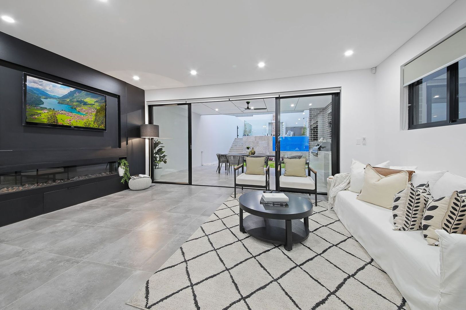 4 Bastille Close, Padstow Heights NSW 2211, Image 1