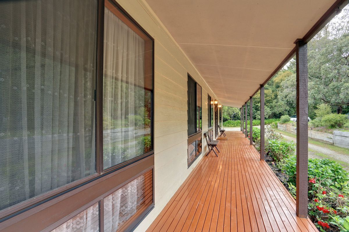 8 Mulhalls Road, Macclesfield VIC 3782, Image 2