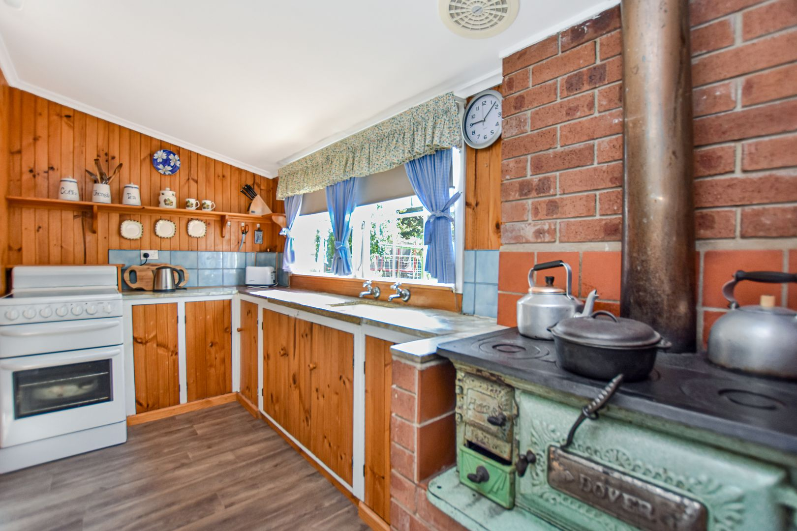 18-20 Lucknow Street, Spring Hill NSW 2800, Image 2