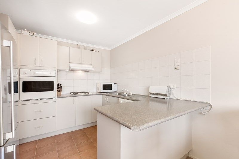 35 Heathcote Drive, Forest Hill VIC 3131, Image 2