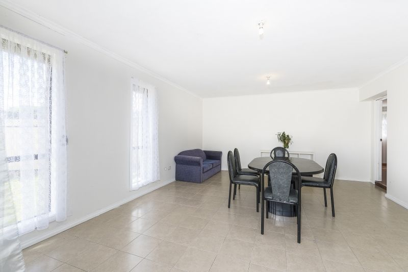 13 Jester Court, Kings Park VIC 3021, Image 2