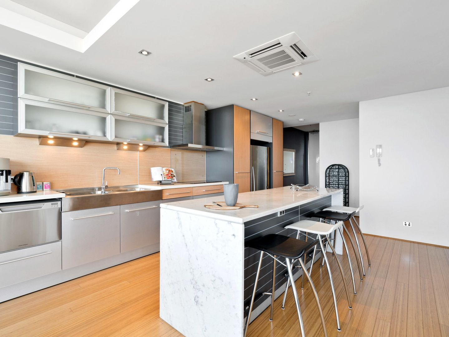 126/22 St Georges Terrace, Perth WA 6000, Image 2