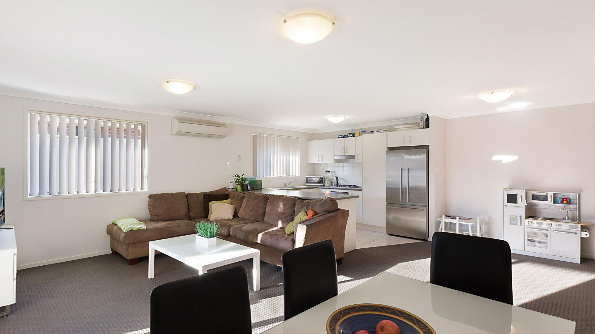 54 Waterside Drive, Woongarrah NSW 2259, Image 2