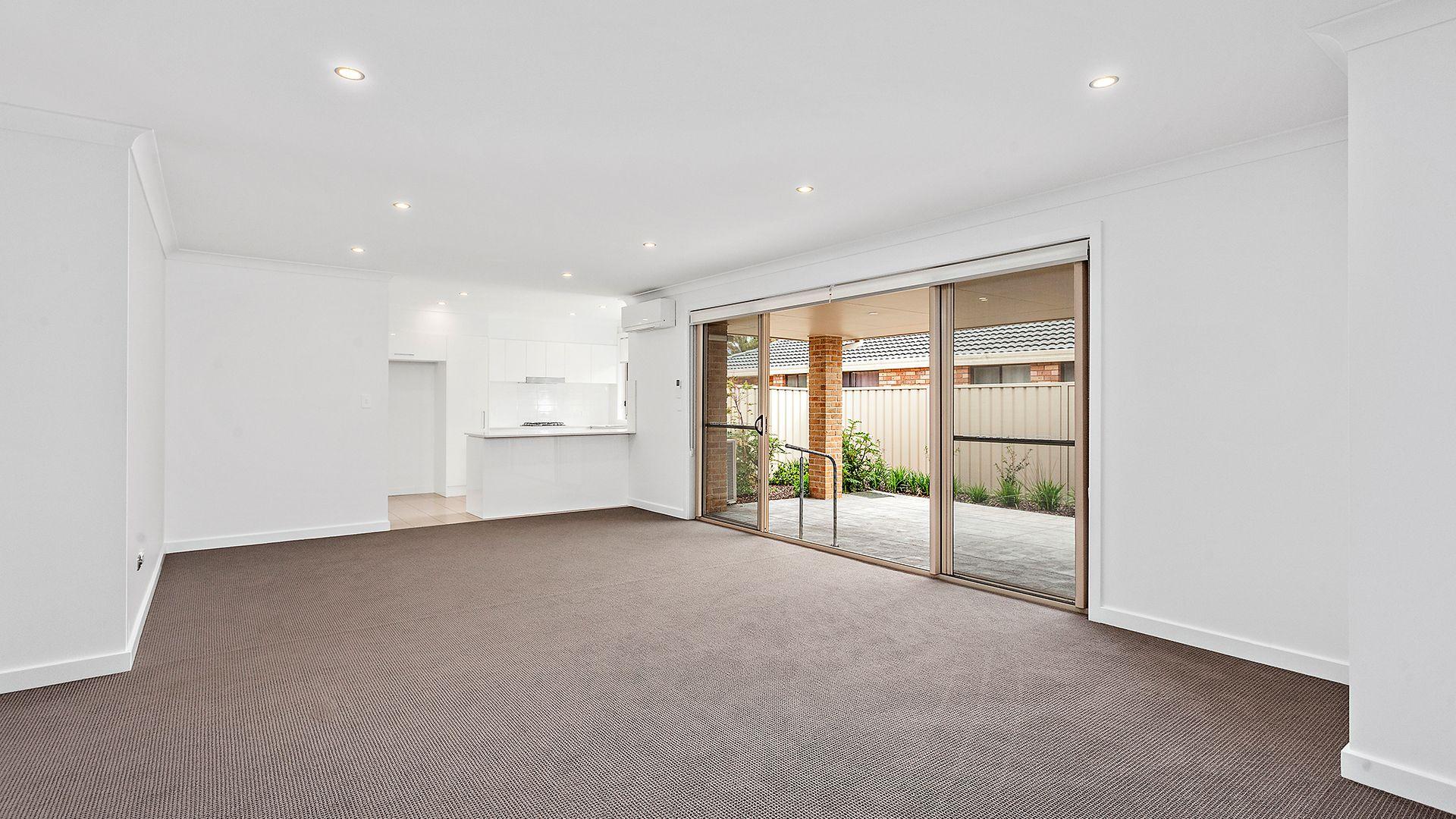 2/10  Derwent Avenue, Avondale NSW 2530, Image 1