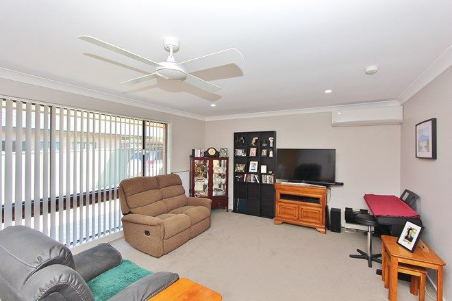 Picture of 2/34 Lake Street, LAURIETON NSW 2443